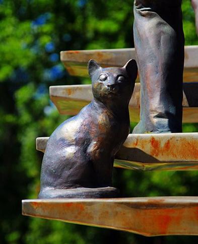 кошка.фрагмент скульптуры Лестница